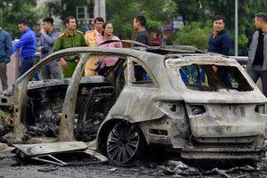 Tài xế mang giày cao gót gây tai nạn bị phạt nặng ở nhiều nước