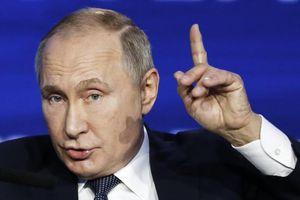 Tổng thống Nga tạ ơn Chúa về chuyện Mỹ 'đấu đá chính trị'