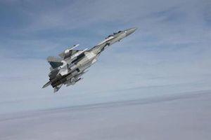 Tiêm kích Su-35 nghi 'chặn đứng' Israel không kích Syria, Nga tấn công mạnh vào Idlib