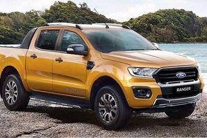 Triton - Ranger - Hilux: chọn xe bán tải nào giá gần 900 triệu