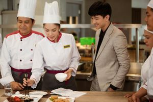 'Tiệm ăn dì ghẻ' quy tụ dàn diễn viên tài sắc của VTV