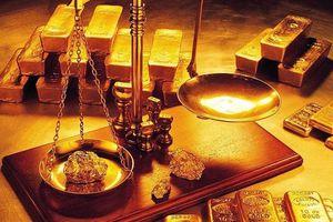 Giá vàng quay đầu giảm phiên cuối tuần sau khi đồng USD tăng trở lại