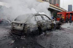 Công an tạm giữ nữ tài xế xe Mercedes tông chết người tại Hà Nội