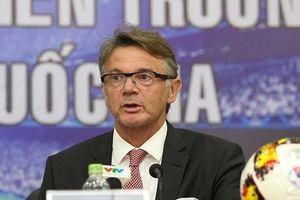 HLV Philippe Troussier mong muốn điều gì từ bóng đá Việt Nam?