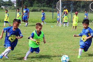 300 trẻ có hoàn cảnh đặc biệt được học bóng đá từ Câu lạc bộ Real Madrid