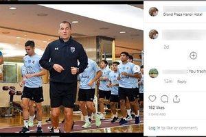 Cổ động viên Thái Lan nói gì về hành vi 'khiếm nhã' của trợ lý đội tuyển với HLV Park Hang Seo?