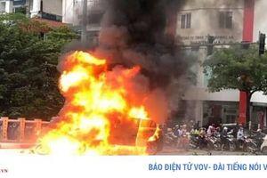Cần khởi tố vụ án để điều tra vụ xe Mercedes tông liên hoàn ở Hà Nội