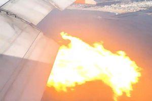 Kinh hãi khoảnh khắc Boeing 777 chở 360 người bốc cháy ngùn ngụt trên không