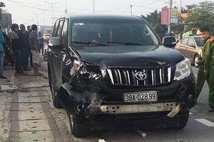 Ôtô tông hai xe máy, một người chết