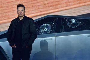 Ra mắt xe tải điện, Elon Musk gặp sự cố 'đáng quên'