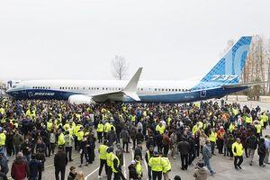 Máy bay lỗi chưa được trở lại, Boeing trình làng Max 10