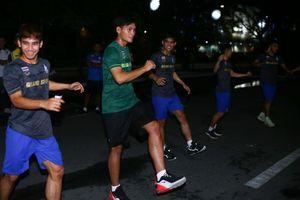 Gặp sự cố đầu tiên, U22 Thái Lan chê tơi bời SEA Games 30