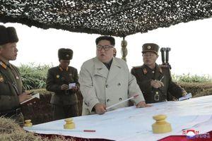 Ông Kim Jong un thăm đảo tiền phương, chỉ đạo bắn pháo