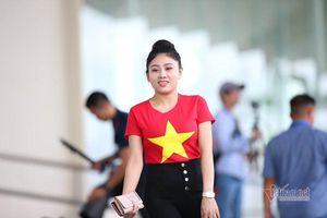 Bóng hồng Việt tiếp lửa thầy trò HLV Park Hang Seo