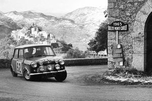 Nhìn lại mốc son của MINI trong 60 năm, không ngờ mẫu xe nhỏ này có thể làm được những điều phi thường!