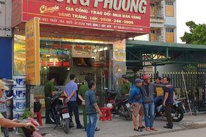 Bắt giữ 3 nghi phạm nổ súng, cướp tiệm vàng Thông Phương ở TP.HCM