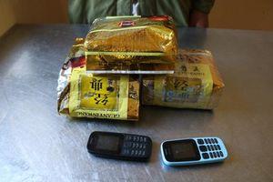 Tóm gọn đối tượng đang mua bán trái phép 3kg ma túy đá