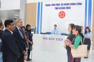 Đoàn công tác của Cộng hòa nhân dân Bangladesh thăm Trung tâm Phục vụ Hành chính công tỉnh Quảng Ninh