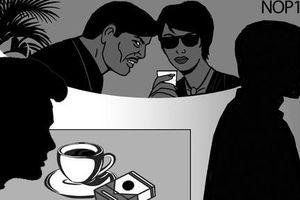 Giải mã 'lời thì thầm' trong quán cà phê