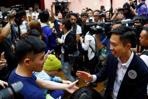 Bầu cử Hội đồng quận ở Hong Kong: Phe ủng hộ dân chủ thắng áp đảo