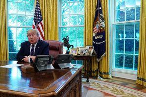 Tổng thống Trump bỏ rơi Phòng Bầu dục, chuyển sang làm việc ở tư dinh