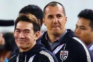 FIFA không kỷ luật trợ lý HLV Thái Lan khiêu khích ông Park