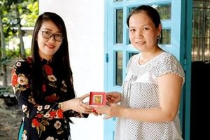 Mua Cháo Yến Yến Việt, nữ khách hàng trúng 5 chỉ vàng