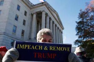 Điều tra luận tội vào giai đoạn mới, 'cơ hội' đến với ông Trump