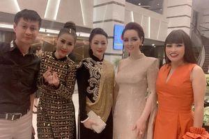 Phương Thanh và dàn sao Việt trên thảm đỏ bế mạc LHP Việt Nam lần thứ 21