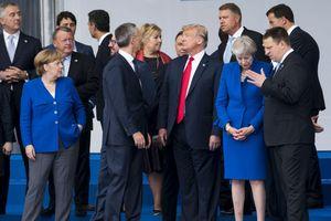 Thượng đỉnh NATO: Tránh đối đầu, cầu đối thoại