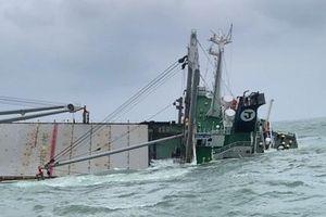 Cứu 18 thuyền viên, ngăn sự cố tràn dầu trên biển Hà Tĩnh