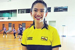 Công chúa Brunei gây chú ý khi lần đầu thi đấu ở SEA Games, có dàn vệ sĩ đi kèm