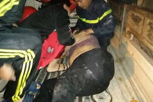 Cháy phố Lò Rèn trong đêm 2 người phụ nữ nhập viện