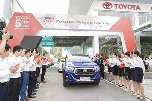 Lái xe khắp 5 châu, đội xe đặc biệt Toyota đến Việt Nam tìm thiết kế mới