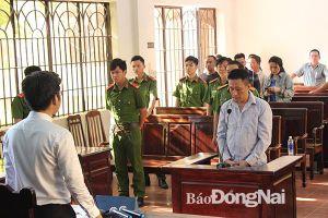 Nguyên Trung úy cảnh sát giao thông lãnh 18 năm tù