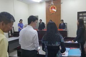 Hoãn phiên tòa tranh chấp bản quyền giữa Đàm Vĩnh Hưng và nhạc sĩ Trường Nhân