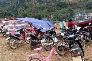 Cao Bằng: Động đất liên tục, người dân ra đồng dựng lán trại 'dã chiến'