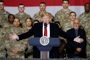 Tổng thống Mỹ bất ngờ đến thăm binh sĩ tại Afghanistan