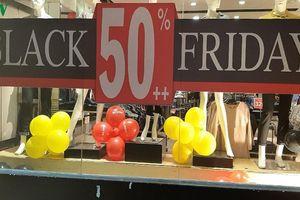 Black Friday: Người tiêu dùng dè dặt với hàng giảm giá