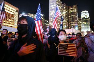 Hô hào đáp trả quyết liệt đạo luật Hong Kong của Mỹ, Trung Quốc có những 'quân bài' gì?
