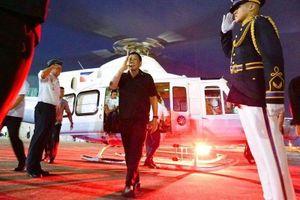 TT Duterte đi trực thăng tới lễ khai mạc SEA Games