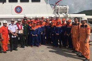 Kịp thời cứu thuyền viên bị nạn trên biển