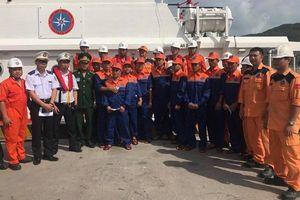 Chìm tàu chở 11 người trên biển Quy Nhơn, thuyền trưởng tử vong