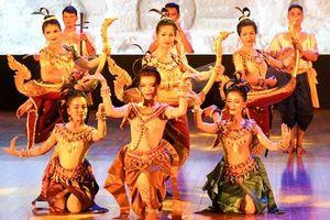 Chung tay vun đắp tình hữu nghị Việt Nam - Campuchia
