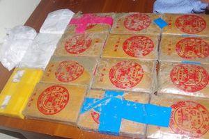 Một lượng lớn ma túy trôi dạt vào bờ biển ở Quảng Nam