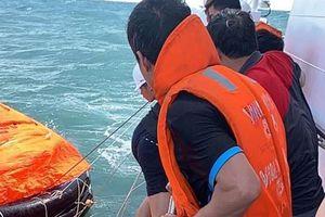 Thuyền trưởng tử vong khi kêu gọi thuyền viên lánh nạn