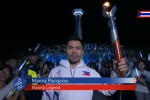 Võ sĩ huyền thoại Manny Pacquiao thắp ngọn đuốc SEA Games 30