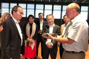 Bí thư Thành ủy TPHCM Nguyễn Thiện Nhân bắt đầu chuyến thăm Australia