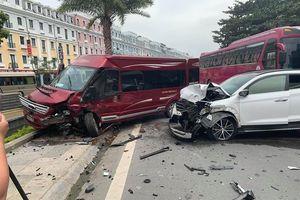 Ô tô lấn làn, đâm liên hoàn 2 xe khiến 3 người bị thương