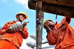 Đối mặt với nhiều áp lực, ngành điện đảm bảo cung ứng điện dịp cuối năm